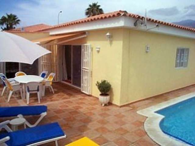 3 Bedroom villa sleeps 6 all with en-suite bathrooms in Callao Salvaje Tenerife